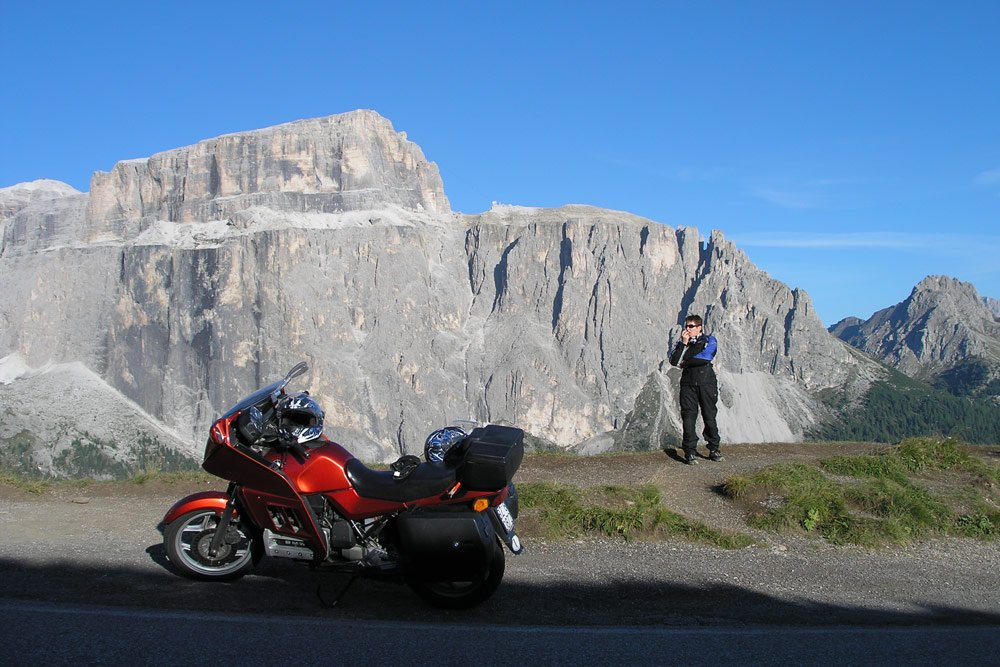 Motorcyclists holiday in the Dolomites: driving fun in the Alps