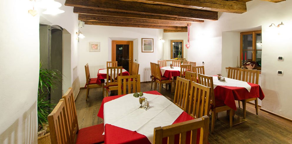 Gasthof zur Sonne: serate piacevoli nel bar dell'hotel