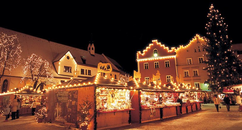 Between cross country-ski and Christmas markets