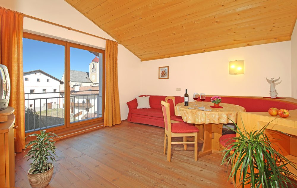 Gasthof zur Sonne: wide apartments in the Aparthotel in South Tyrol